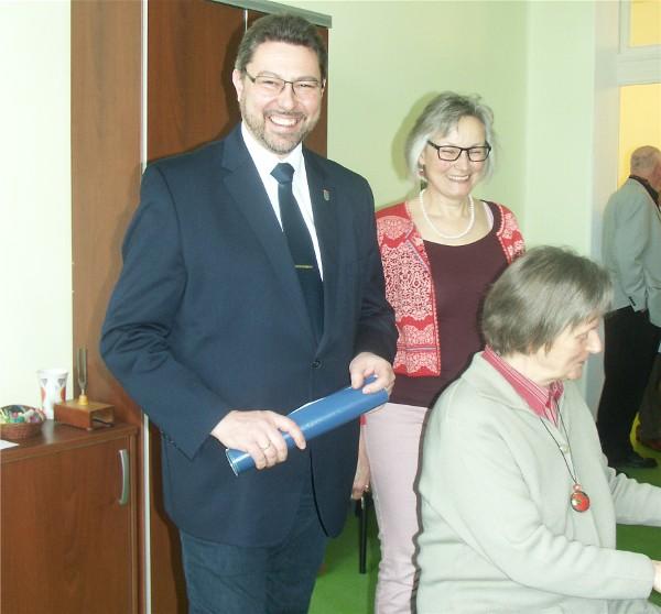 Bezirksstadtrat Herr Michael Vogel, Leiterin der Musikschule Frau Lucia Stark und am Klavier Frau Range-Makel
